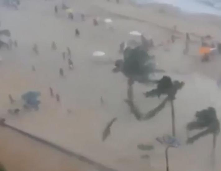 Vidéo : trombe sur une plage brésilienne