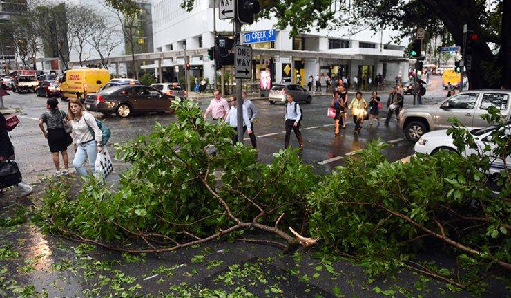 Australie : violent orage à Brisbane (vidéo)